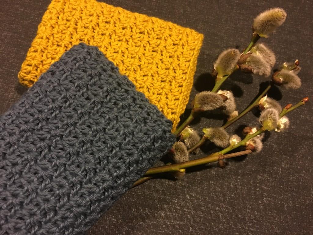 Påske gave med hæklet karklude i V-mønster