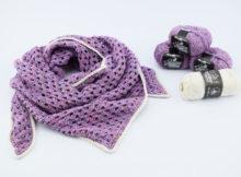 Hæklet tørklæde/sjal i Granny stripes