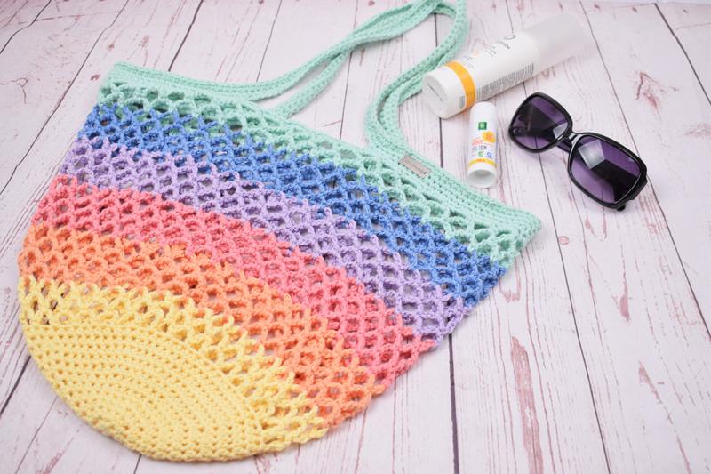 Hæklet strandnet - Pastel regnbue