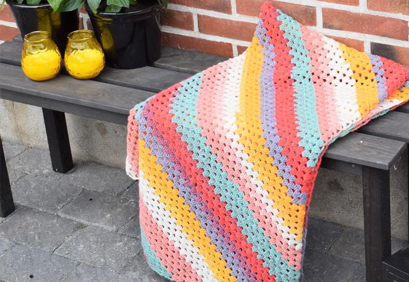My color crush tæppe - Granny på skrå